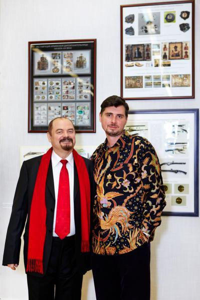Петр Козорезенко. Выставка Преемственность. ЦДХ.2012г.